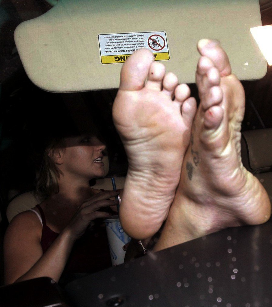 Britney Spears Soles photo 28