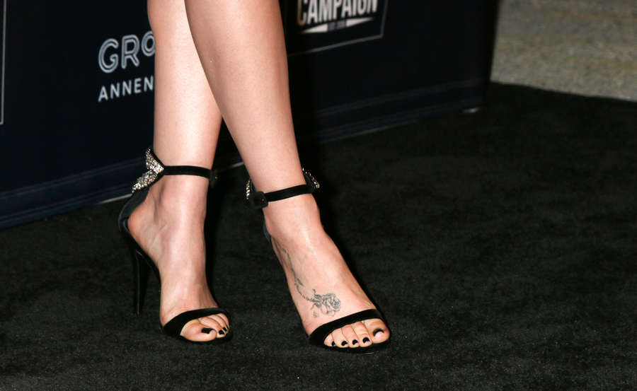 Lilly Collins Feet photo 29