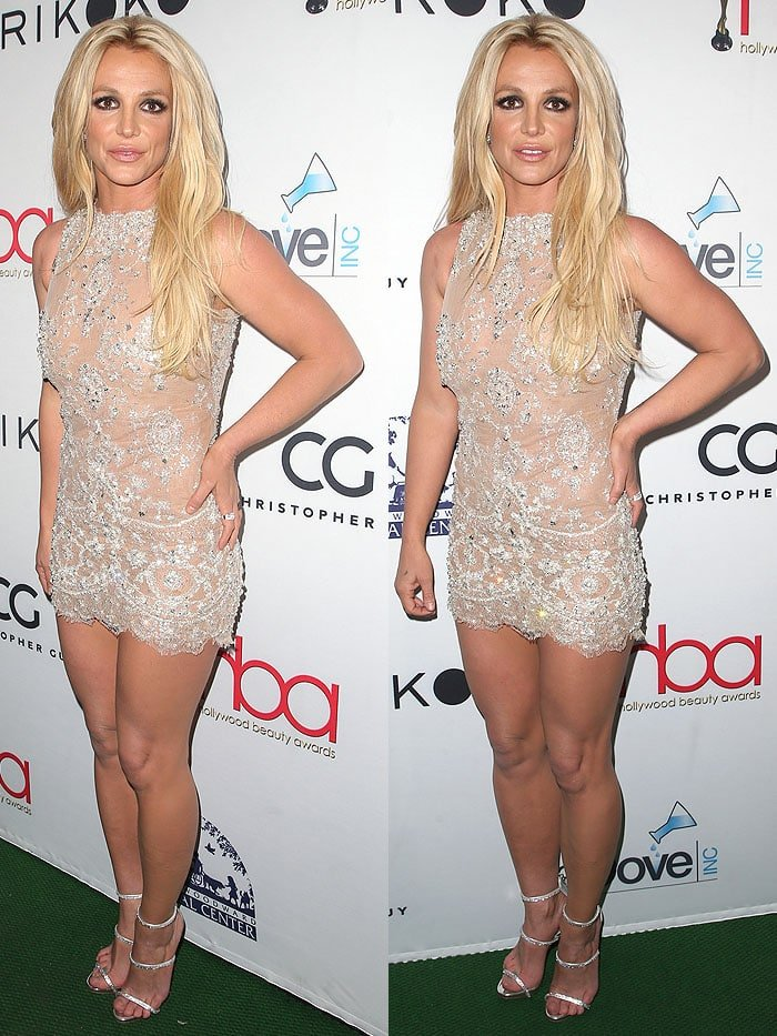 Britney Spears Soles photo 20