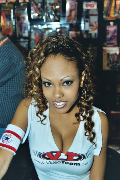 Lacey Duvalle Wiki photo 4