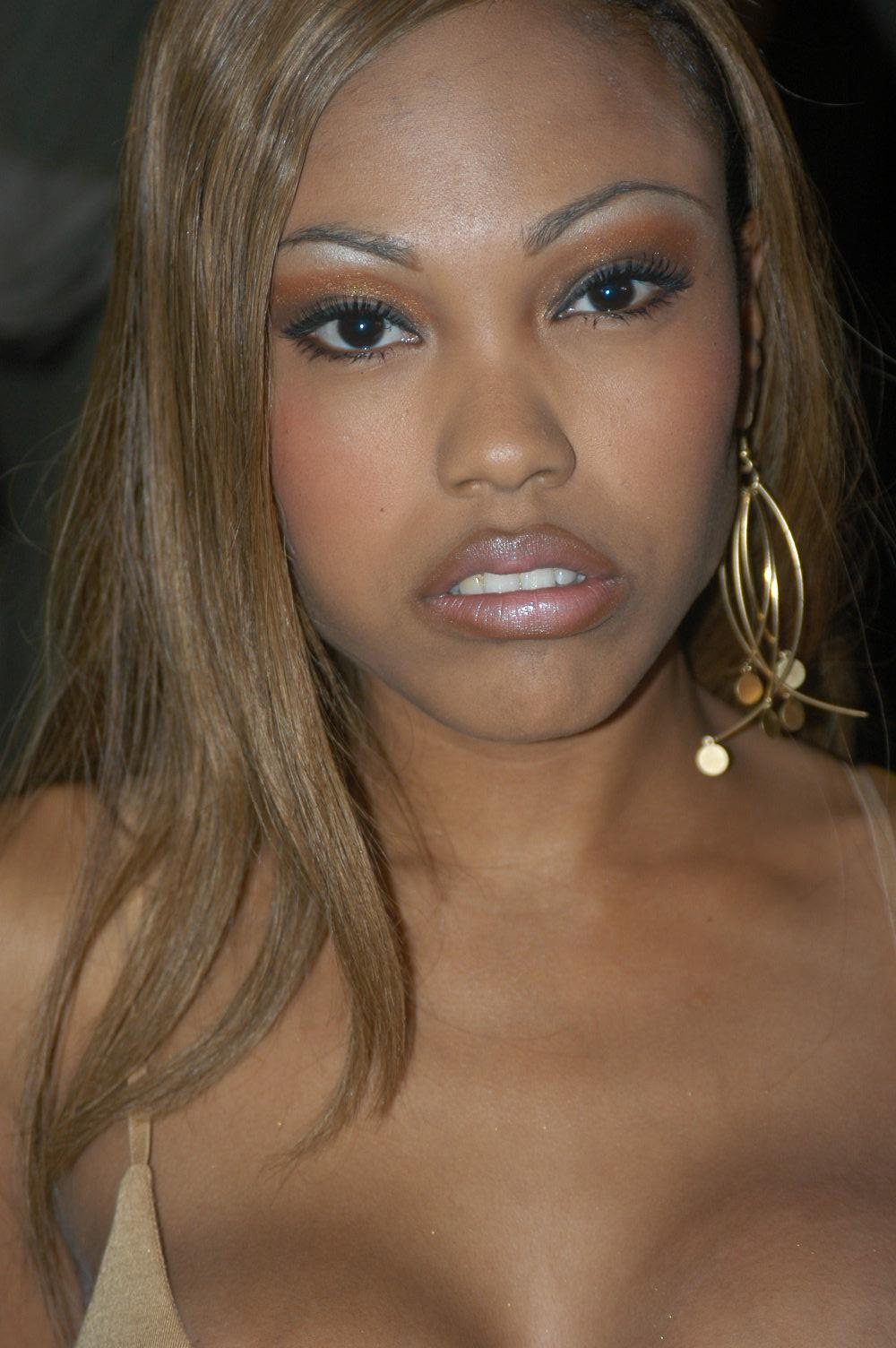 Lacey Duvalle Wiki photo 22