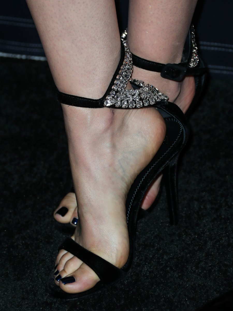 Lilly Collins Feet photo 27